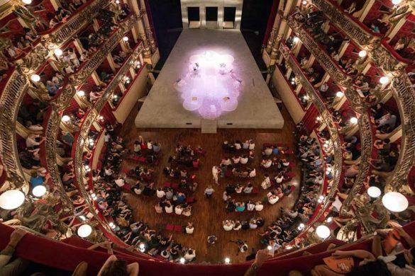 Glob(e)al Shakespeare