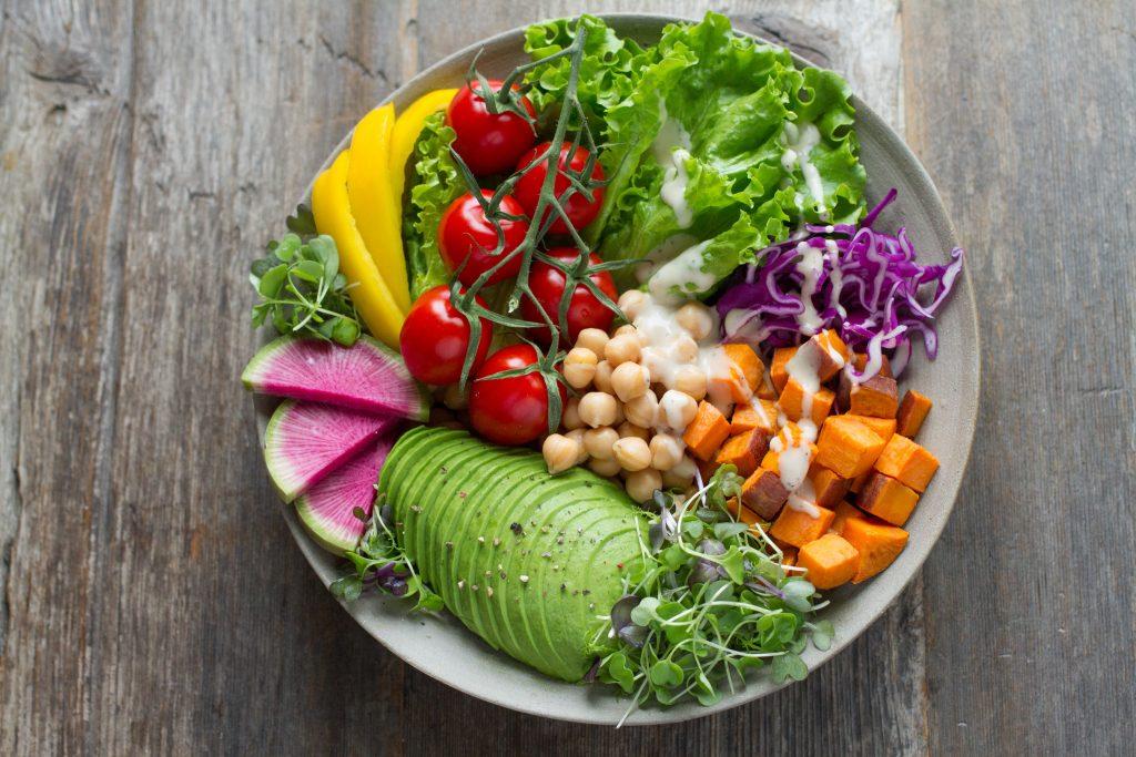 alimenti per prolungare l'abbronzatura