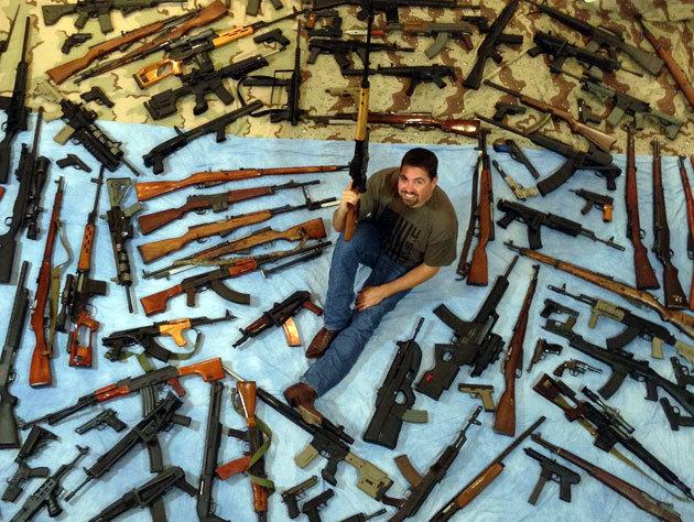 la psicologia del collezionista di armi