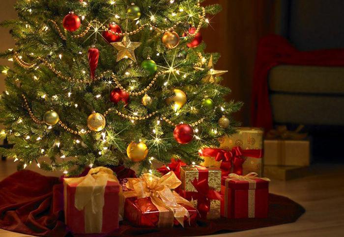 regali-sotto-lalbero